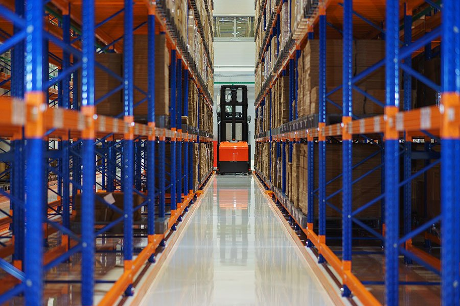 What are the Standard Dimensions of a Pallet Used in a Racking System?