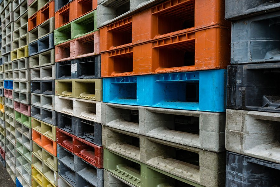 The Plastic Pallet Debate: New vs Used